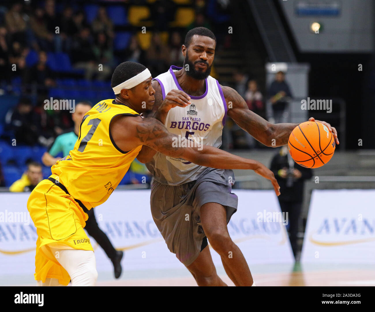 KYIV, UKRAINE - SEPTEMBER 26, 2019: Kyndahl Hill of BC Kyiv Basket (L) fights for a ball with Earl Clark of San Pablo Burgos during their FIBA Basketball Champions League Qualifiers game Stock Photo