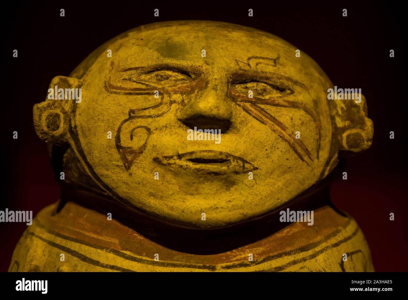 Ecuador, Quito, registered World Heritage by UNESCO, museo Casa del Alabado, or museum of pr?colombian arts Stock Photo