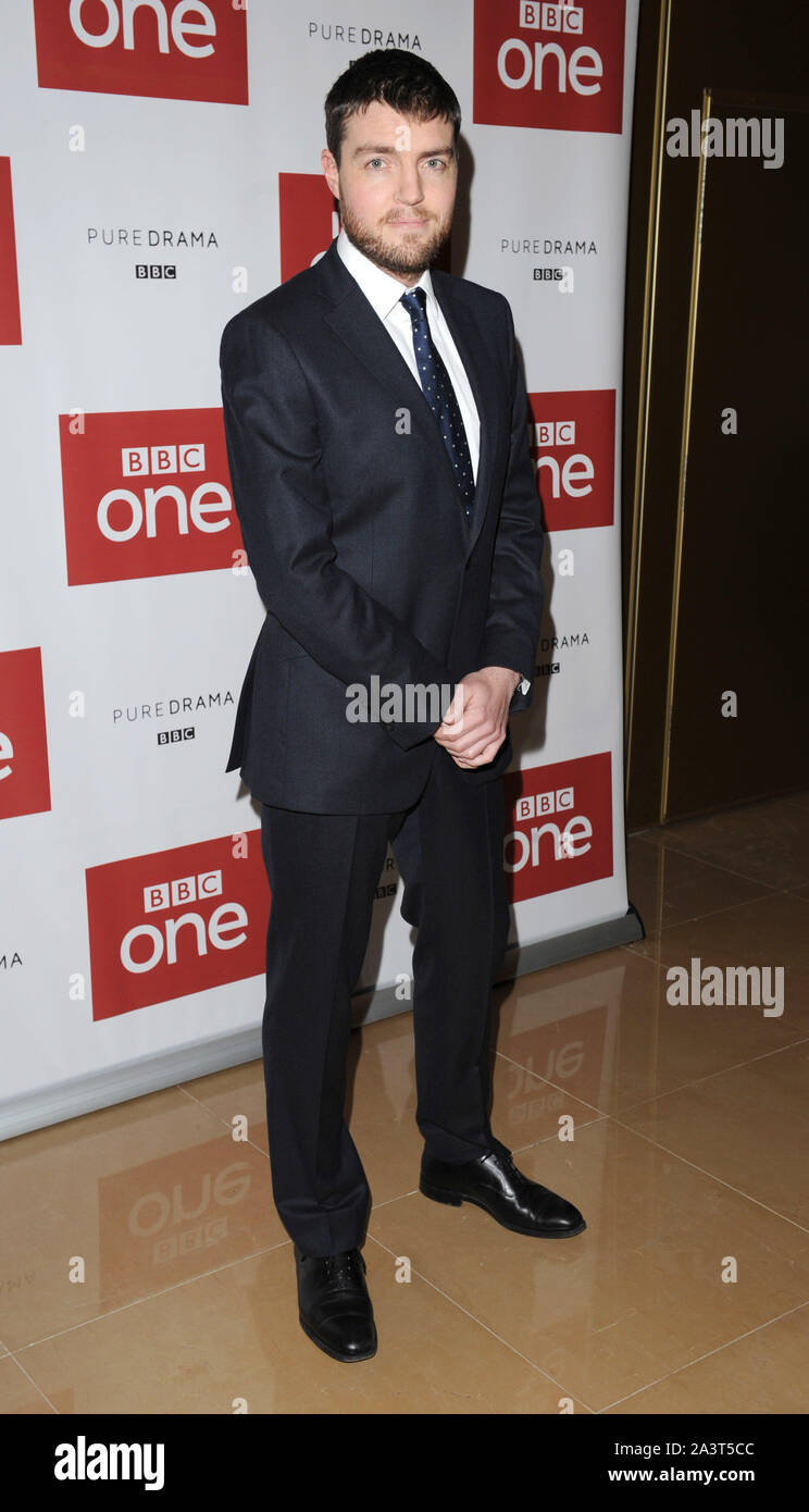Photo Must Be Credited ©Kate Green/Alpha Press 079965 14/12/2015  Tom Burke BBC One drama, War & Peace Photocall  The Mayfair Hotel London Stock Photo