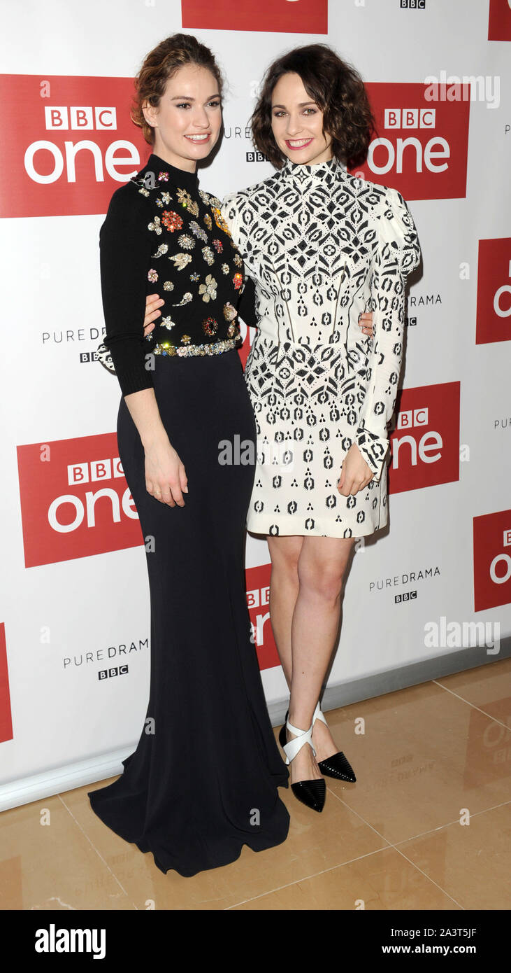 Photo Must Be Credited ©Kate Green/Alpha Press 079965 14/12/2015 Lily James and Tuppence Middleton BBC One drama, War & Peace Photocall The Mayfair Hotel London Stock Photo