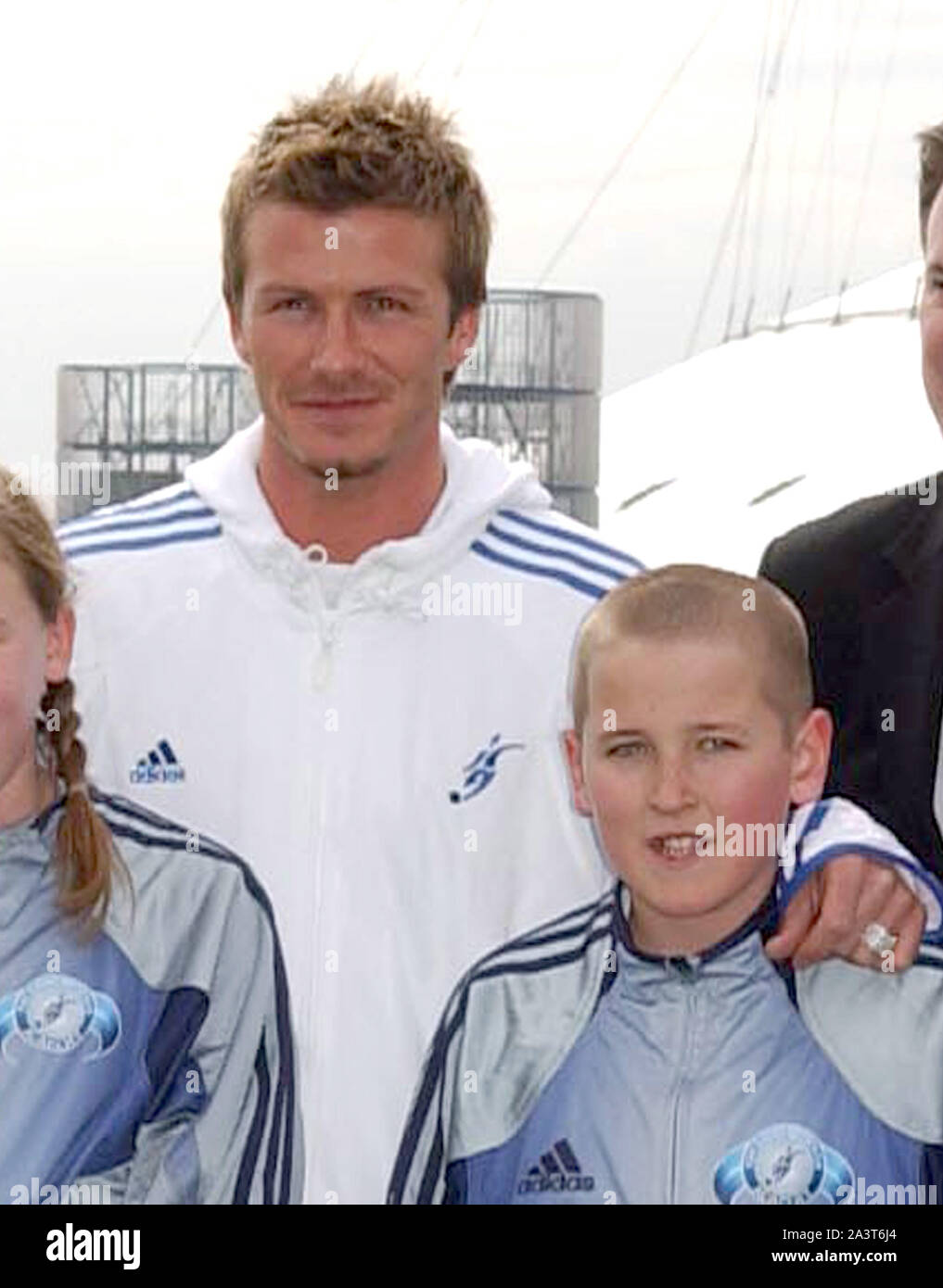 Photo Must Be Credited C Alpha 057343 14 03 2005 David Beckham With Harry Kane As A Young Boy At The Beckham Soccer Academy Launch At The Trinity Buoy In East London Stock Photo Alamy