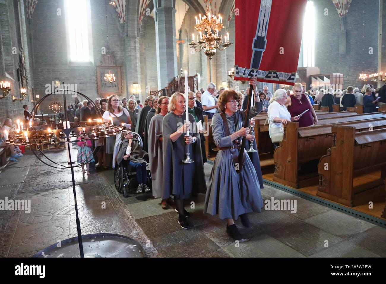 VADSTENA 20190723Societas Sanctæ Birgittæ SSB) är en sammanslutning av män och kvinnor inom Svenska kyrkan, som i vördnad för den heliga Birgitta och i likhet med henne vill tjäna den heliga, allmänneliga och apostoliska Kyrkan i Sverige. SSB håller årligen Genereralkapitel omkring den heliga Birgittas himmelska födelsedag – den 23 juli – vanligen i Vadstena. Foto Jeppe Gustafsson Stock Photo