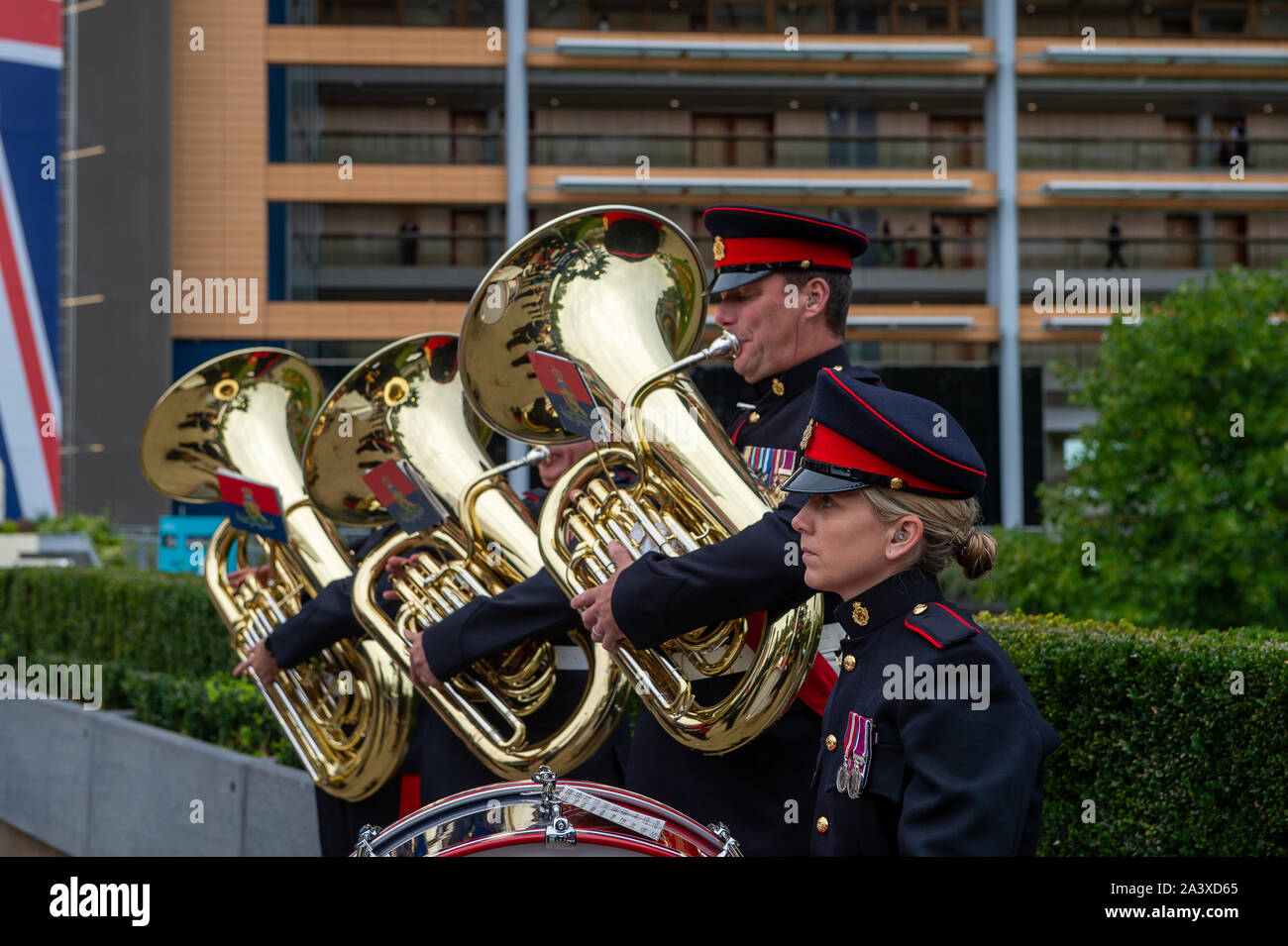 Autumn Racing Weekend & Ascot Beer Festival, Ascot Racecourse, Ascot, Berkshire, UK. 5th October, 2019. Tidworth Army Band play music for racegoers. Credit: Maureen McLean/Alamy Stock Photo