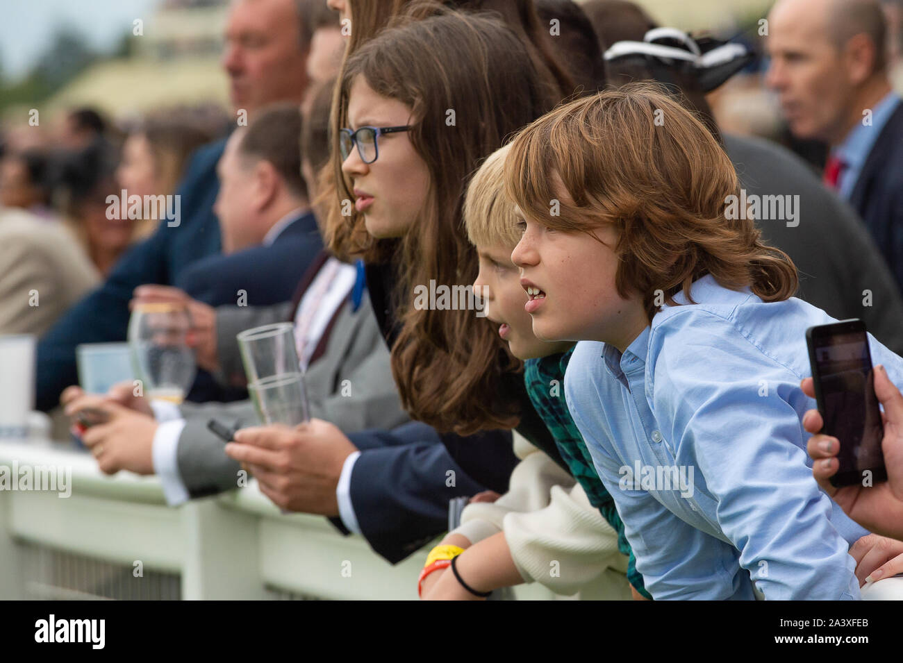 Autumn Racing Weekend & Ascot Beer Festival, Ascot Racecourse, Ascot, Berkshire, UK. 5th October, 2019. Racegoers enjoying the racing. Credit: Maureen McLean/Alamy Stock Photo