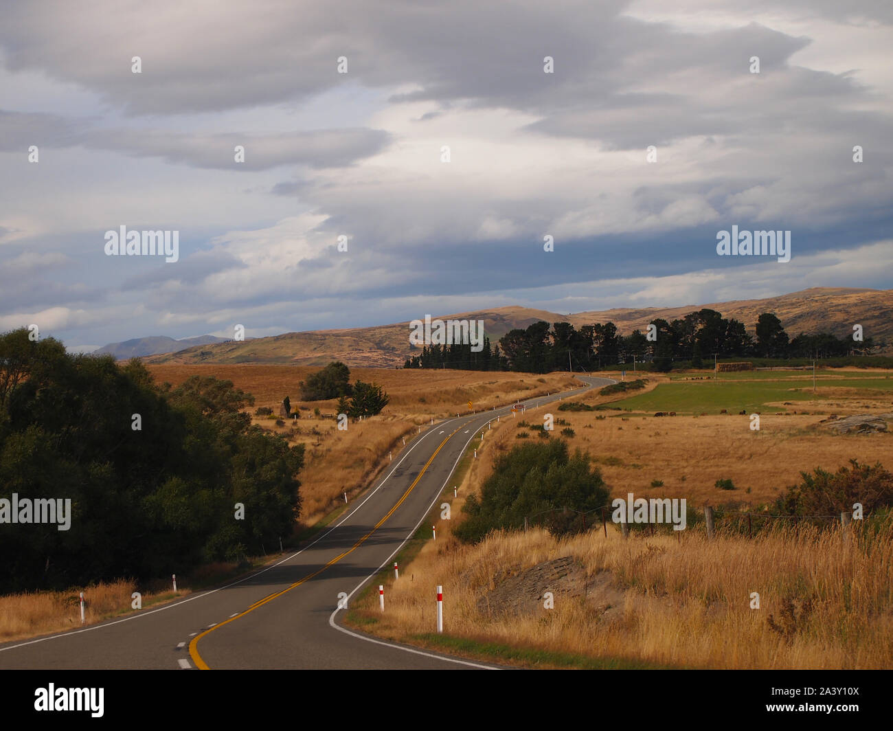Rural roads near Dunedin in New Zealand South Island Stock Photo