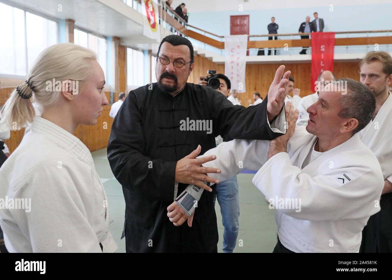 Moscow Russia October 12 2019 American Actor And Martial Artist Steven Seagal 2nd L Gives An