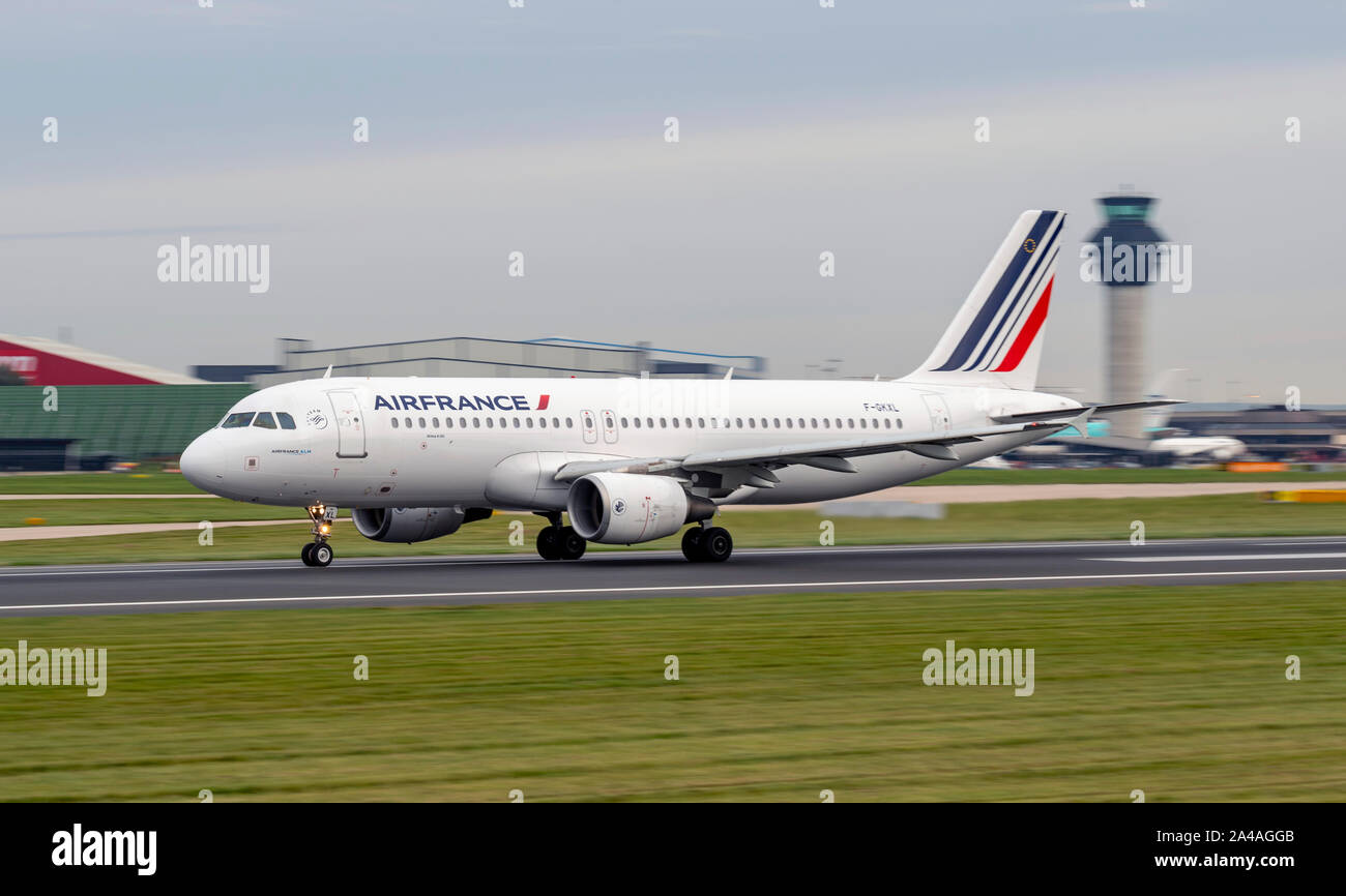 Air France, Airbus, A320-200, F-GKXL, rolling for launch at Manchester Airport Stock Photo