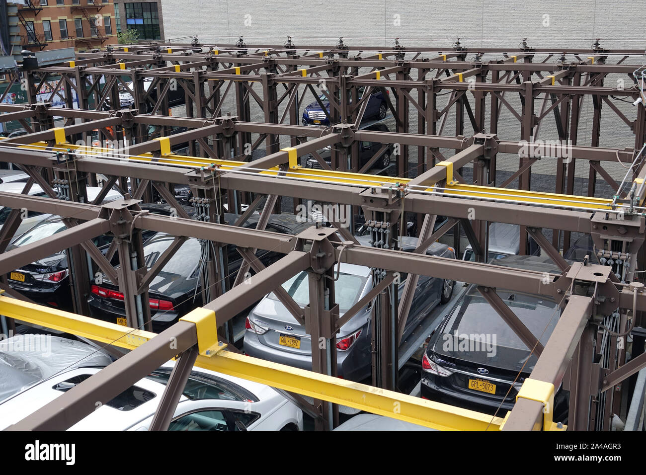 New York, USA. 08th Sep, 2019. Cars are parked on a multi-storey lifting platform in a private parking lot in the Chelsea district of Manhattan. Credit: Alexandra Schuler/dpa/Alamy Live News Stock Photo