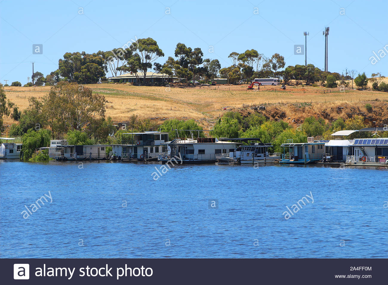 Wonderful relaxed lifestyle in the house boats at the banks of the Murray river (Murray Bridge, South Australia) Stock Photo