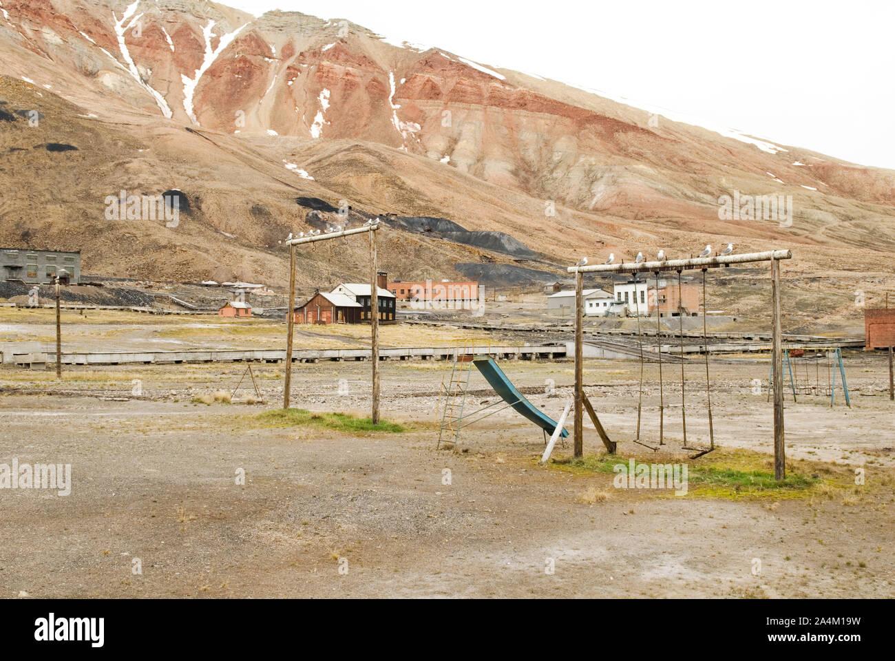 Pyramiden Svalbard Spitsbergen Playground Abandoned Russian Mining Village Stock Photo Alamy