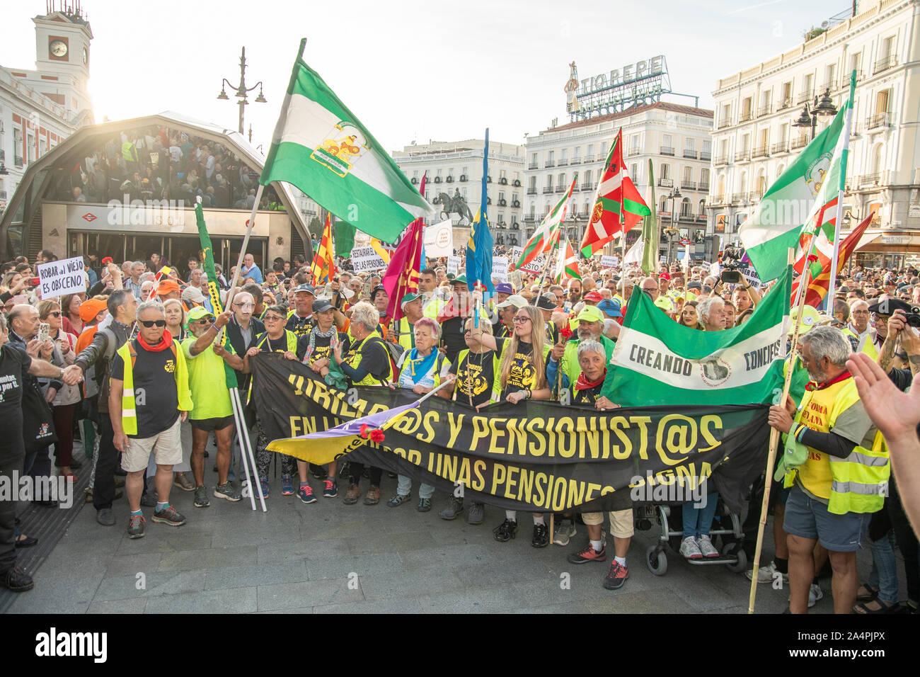 The fight of the pensioners has arrived in Madrid after traveling hundreds of kilometers on foot from the north and south of the country. The demonstr Stock Photo