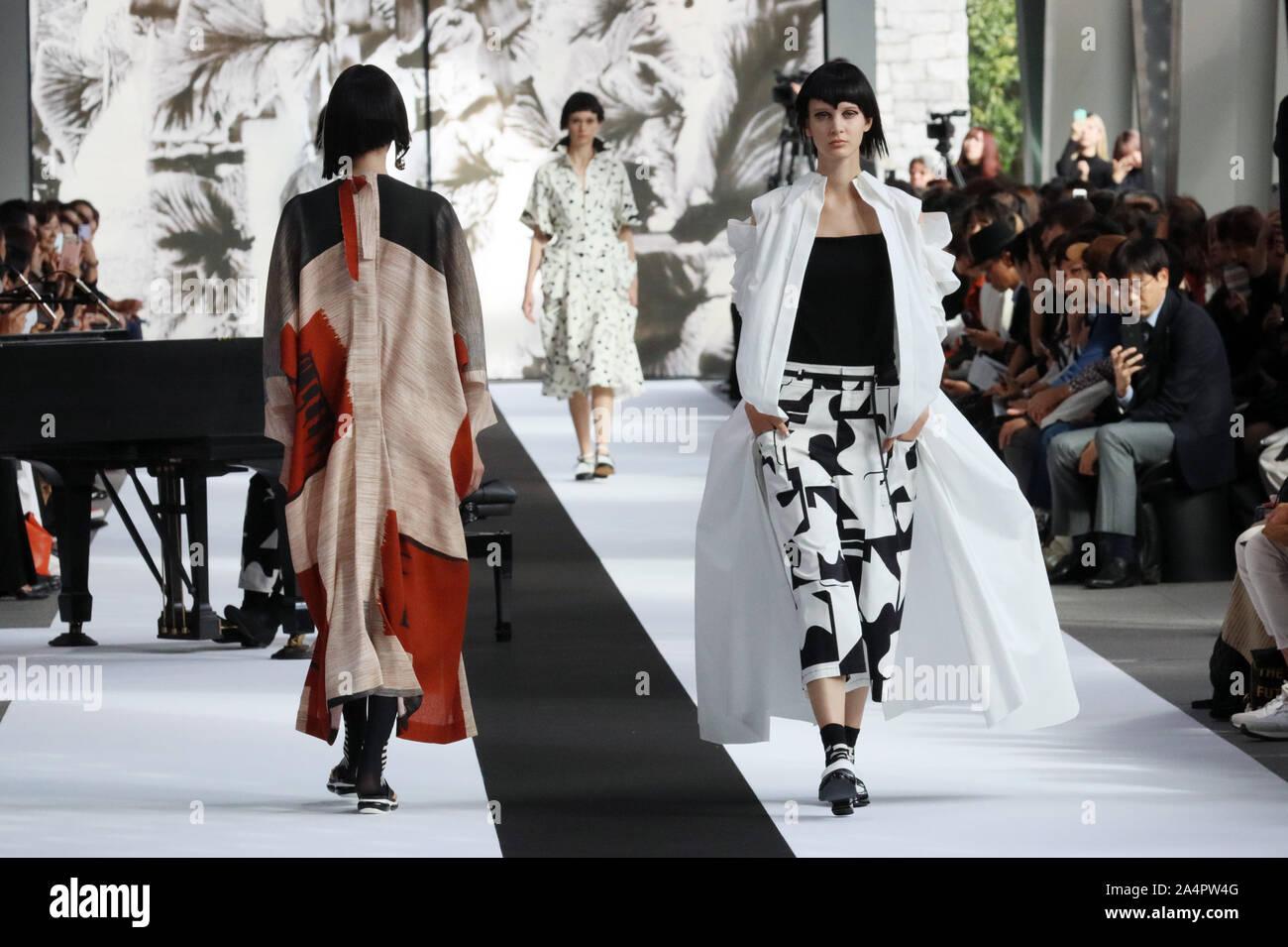 Tokyo Japan 15th Oct 2019 Models Display Creations Of Japanese Designer Hiroko Koshino For Her 2020