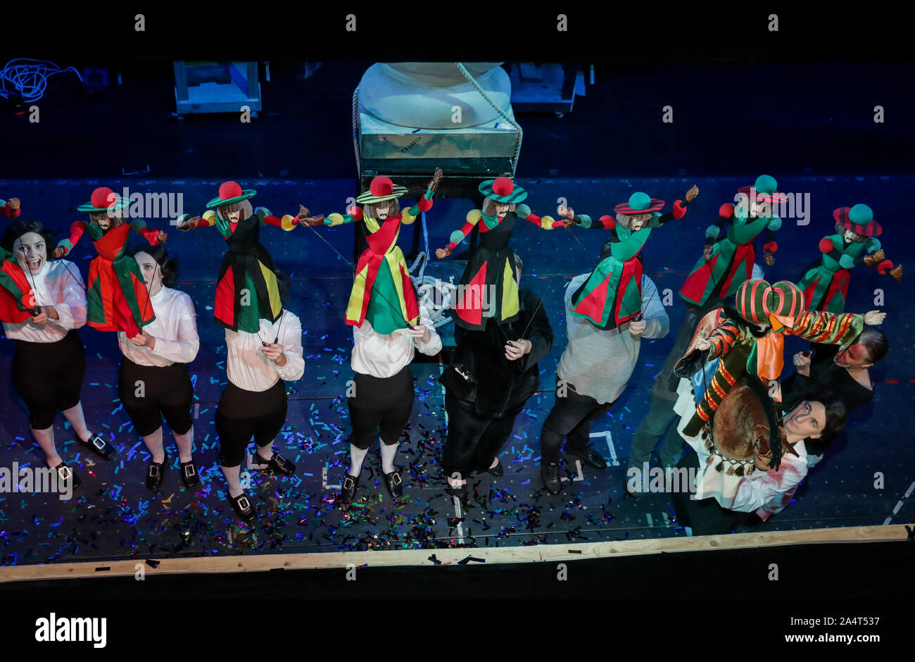 Moscow, Russia. 08th Oct, 2019. MOSCOW, RUSSIA - OCTOBER 5, 2019: Actors rehearse a scene from the production of Gulliver's Travels at Sergei Obraztsov Puppet Theatre. Vyacheslav Prokofyev/TASS Credit: ITAR-TASS News Agency/Alamy Live News Stock Photo