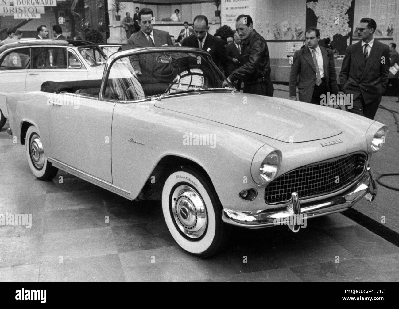 Audacieux Simca Aronde High Resolution Stock Photography and Images - Alamy GZ-68