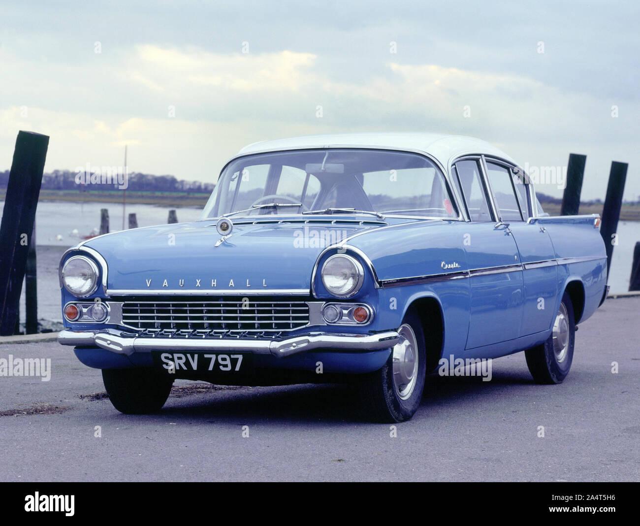 #pha.025089 Photo VAUXHALL CRESTA 4-DOOR SALOON 1960-1962 Car Auto
