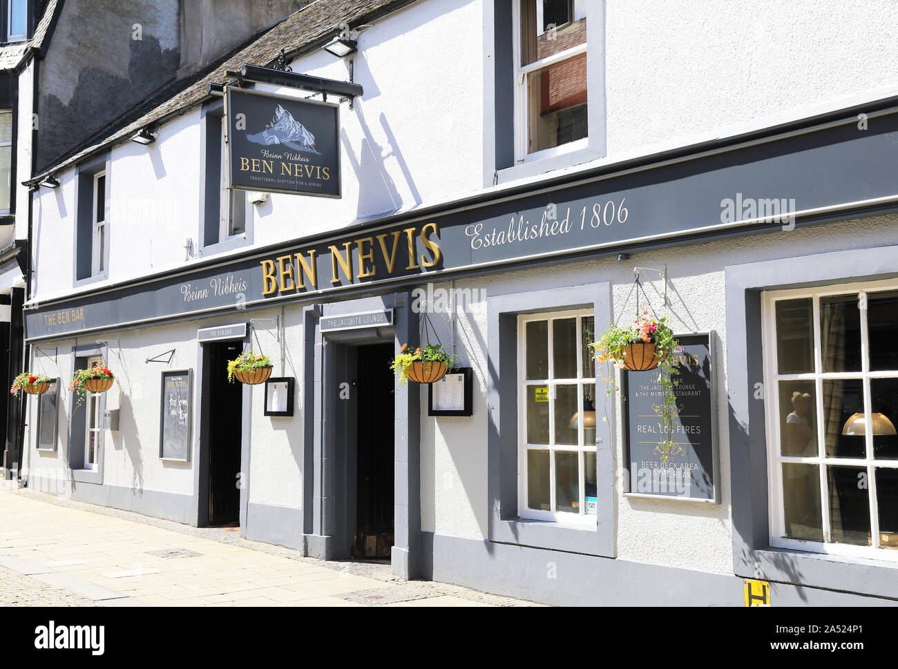 Ben Nevis traditional Scottish pub, on the High Street in Fort William, the gateway to Ben Nevis, in the Scottish Highlands, UK Stock Photo