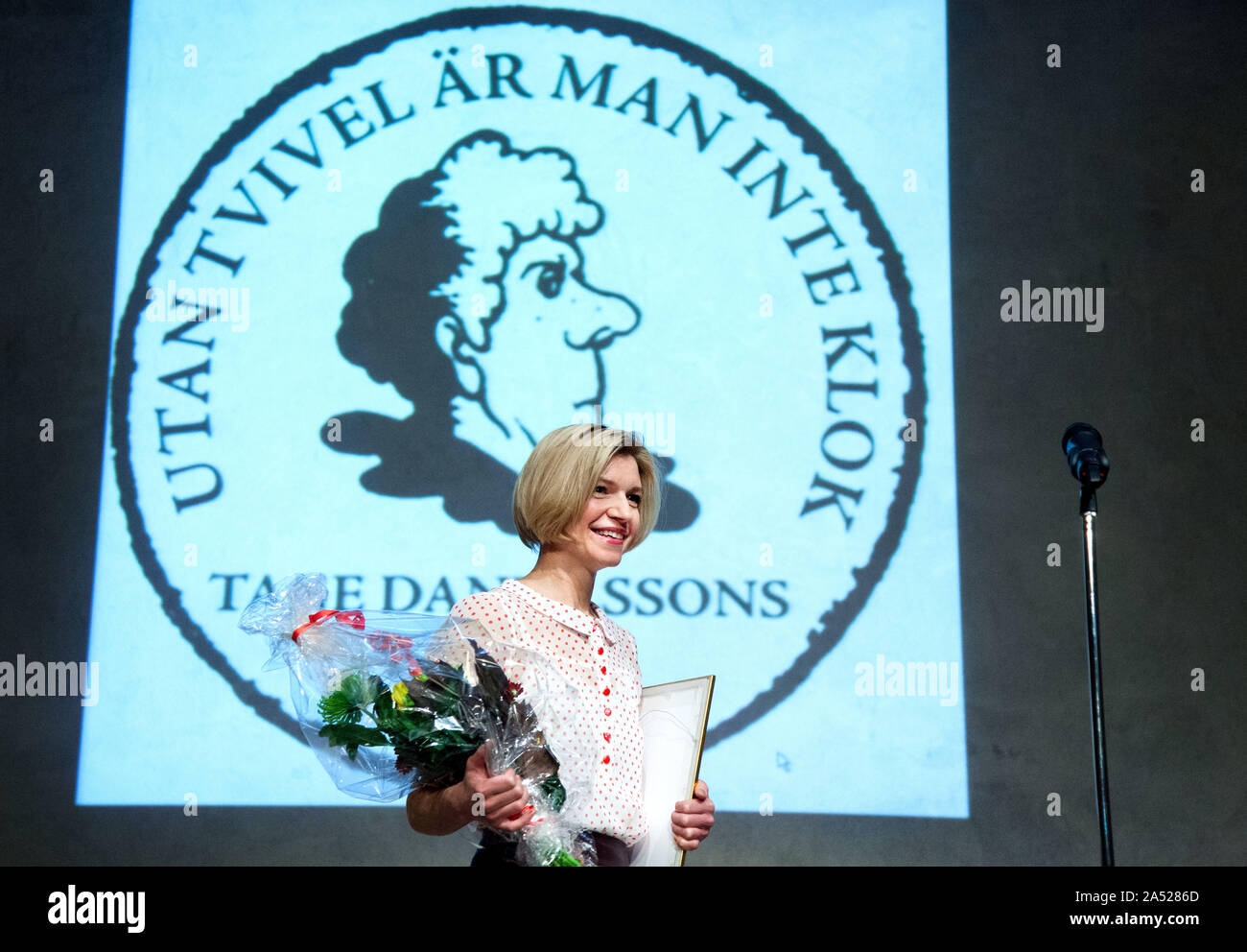 Tage Danielsson's friends gave award to actor Cecilia Frode.Picture Jeppe Gustafsson Stock Photo