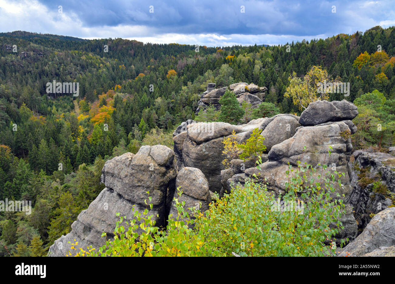 Jonsdorf, Germany. 09th Oct, 2019. The sandstone formation of Nonnenfelsen in the health resort Jonsdorf in the Zittau Mountains on the border with the Czech Republic and Poland. Credit: Patrick Pleul/dpa-Zentralbild/ZB/dpa/Alamy Live News Stock Photo