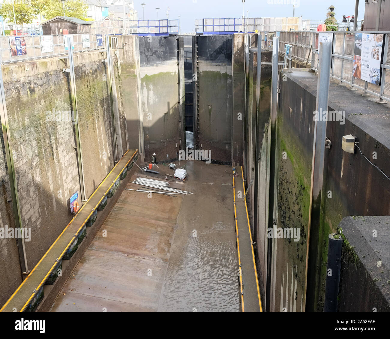 October 2019 - Repairs to the lock gates at the entrance to Portishead Marina Stock Photo