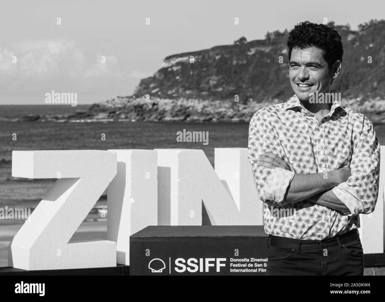 Pablo Molineros actor de la película EL VERANO QUE VIVIMOS posando en el photocall del Festival Internacional de Cine de San Sebastian. Stock Photo