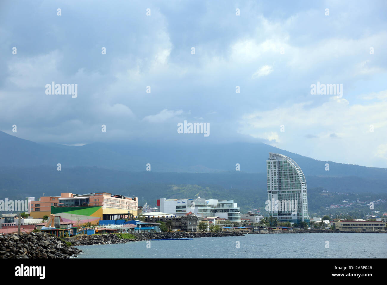 Blick auf Manado in Nordsulawesi, Sulawesi,Indonesien Stock Photo