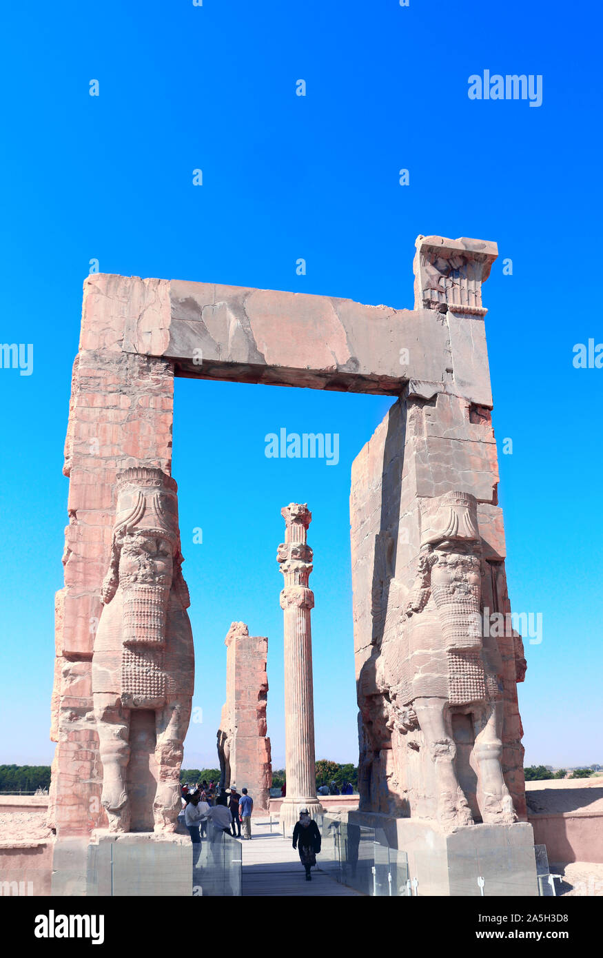 Gate Of All Nations Xerxes Gate With Stone Statues Of Lamassu In Ancient City Persepolis Iran Unesco World Heritage Site Stock Photo Alamy