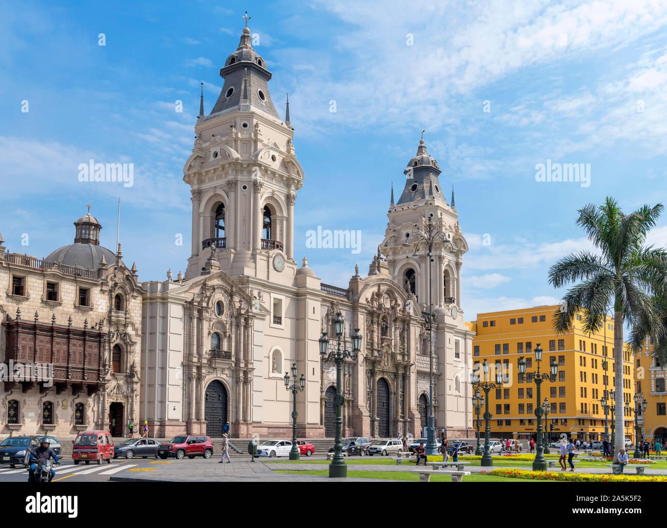 Lima Cathedral in the Plaza de Armas (Plaza Mayor), historic centre (centro historico), Lima, Peru, South America Stock Photo