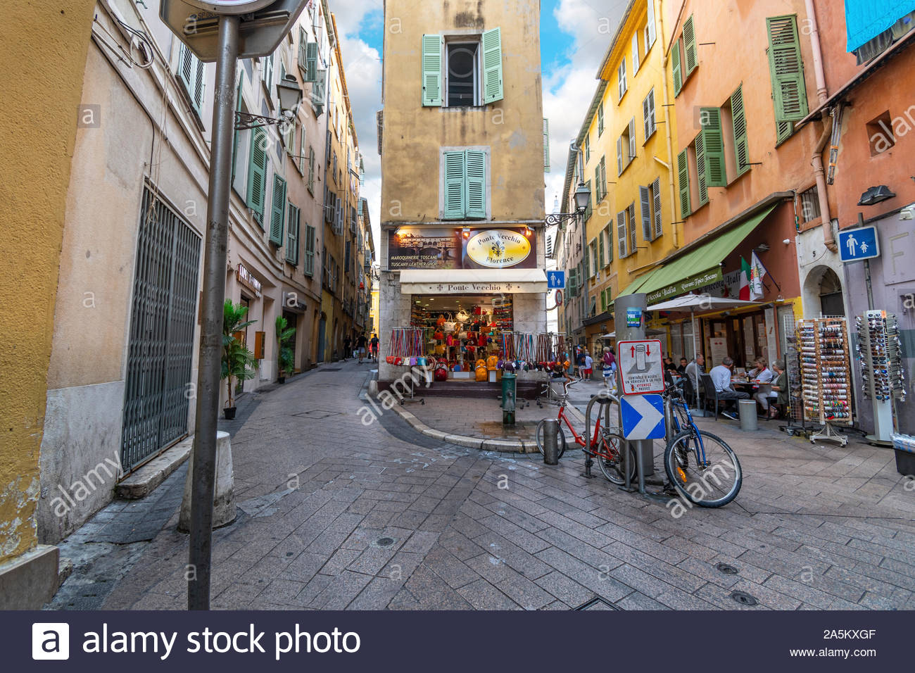 One of the many sharp corners and turns in the twisty, winding Old Town of Vieux Nice, France, on the French Riviera. Stock Photo