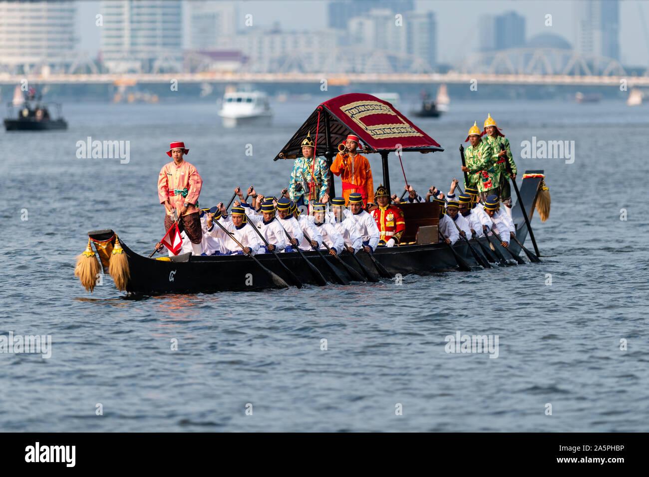 Bangkok, Thailand - October 21, 2019: Thai  royal barges participate in a procession on Bangkok's Chao Phraya River. Stock Photo