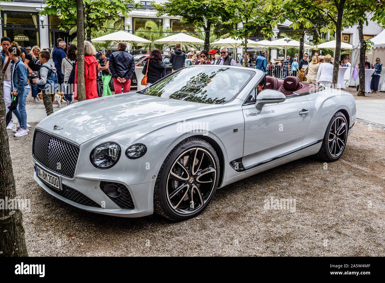 White Bentley Continental Gt High Resolution Stock Photography And Images Alamy