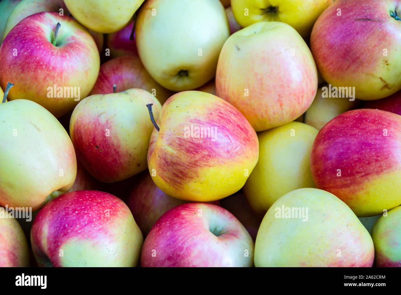 Organic Apple Texture Stock Photo Alamy