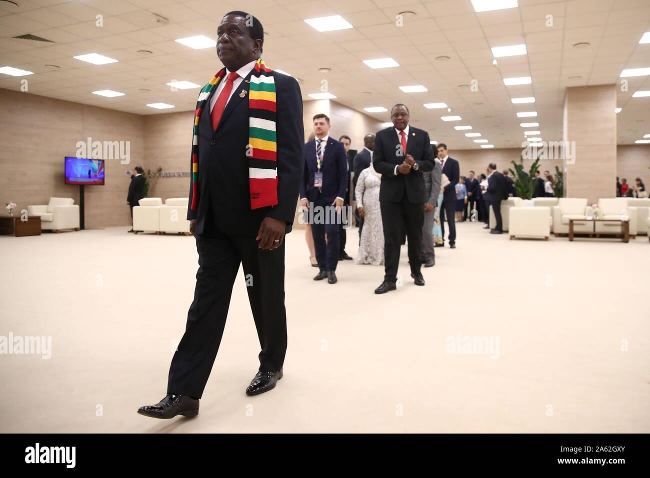 Dating zimbabwiska damer Han har ingen tid för dating