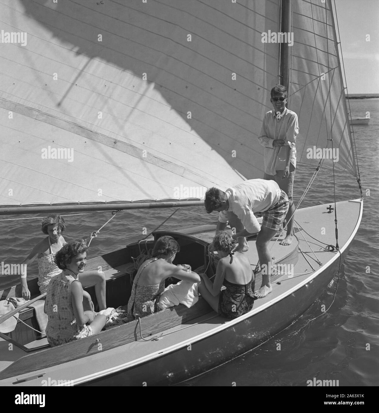 Hyannis Port Ma June 1953 L R Eunice Kennedy Jacqueline Bouvier Jean Kennedy Patricia Kennedy With John F Kennedy And Edward Kennedy Standing Go Sailing While On Vacation At The Kennedy Compound