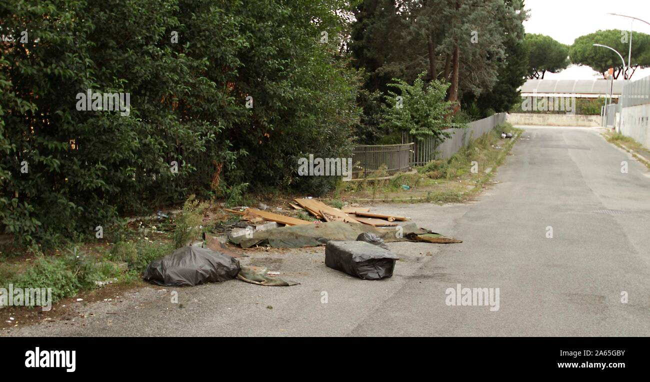 ROMA QUARTIERE TORRESPACCATA-DEGRADO Stock Photo
