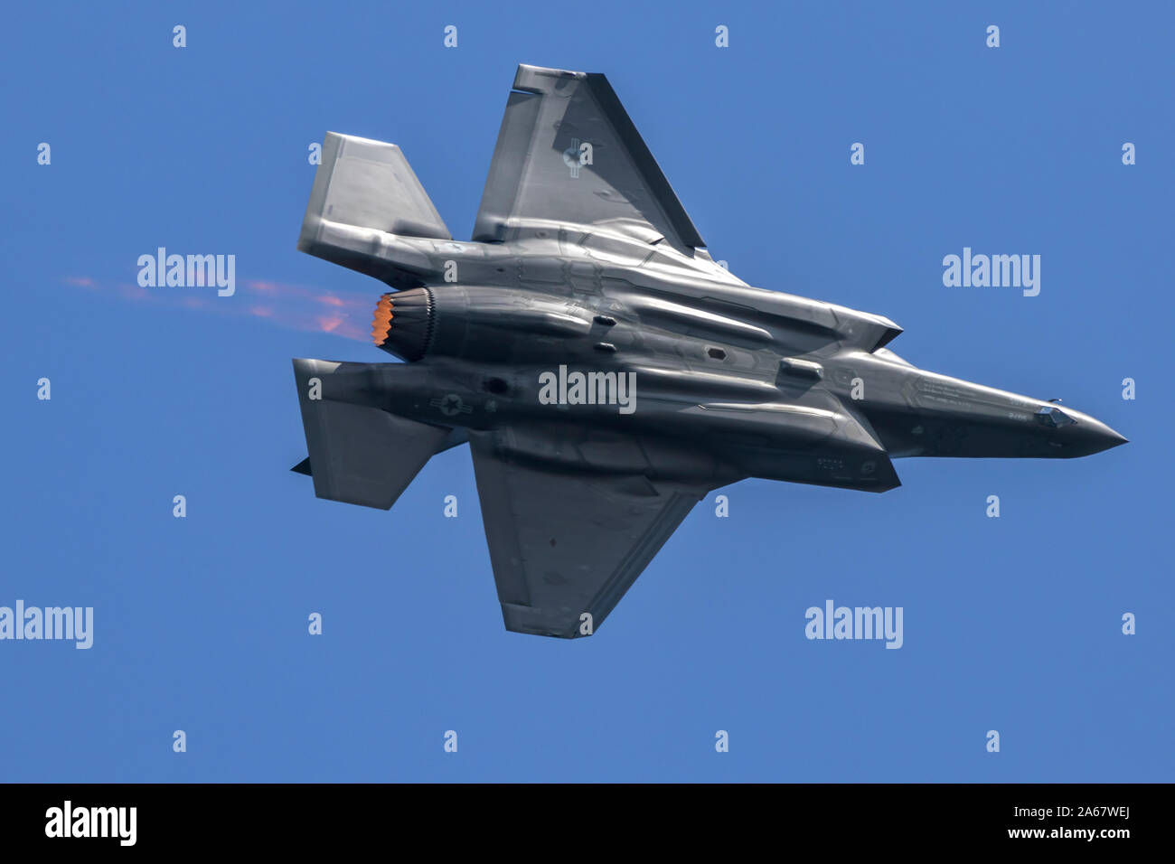 United States Air Force Lockheed Martin F-35 Lightning II fifth generation fighter in afterburner. Stock Photo