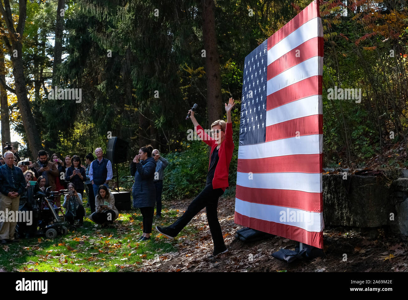 Hanover, United States. 24th Oct, 2019. Presidential candidate Elizabeth Warren campaigns at Dartmouth College in Hanover. Credit: SOPA Images Limited/Alamy Live News Stock Photo