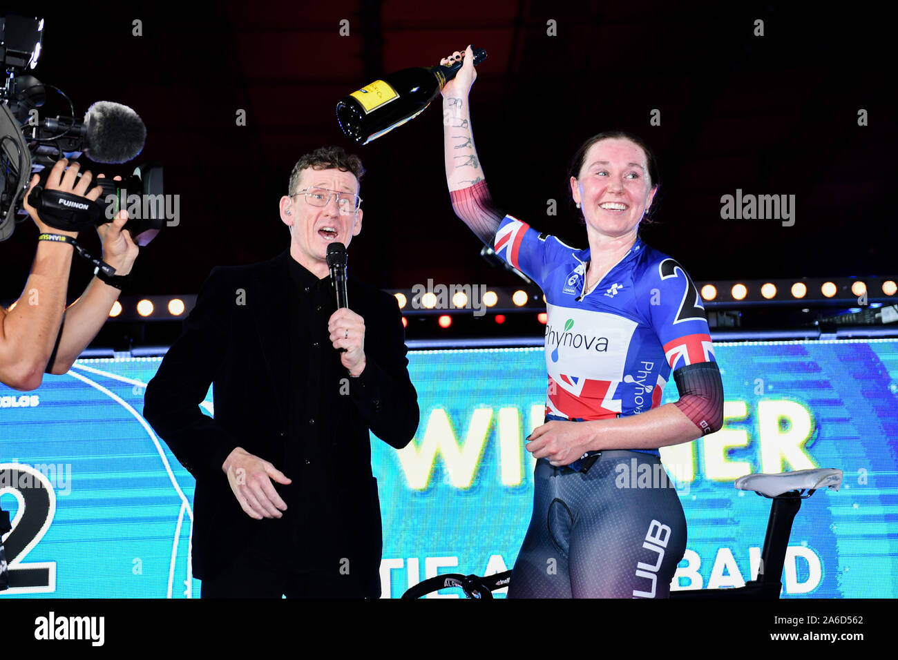 LONDON, UNITED KINGDOM. 25th Oct, 2019. Katie Archibald Great Britain) celebrates after wining the Women 20K points race during Day 4 of Six Day London 2019 at Lee Valley VeloPark on Friday, October 25, 2019 in LONDON, UNITED KINGDOM. Credit: Taka G Wu/Alamy Live News Stock Photo