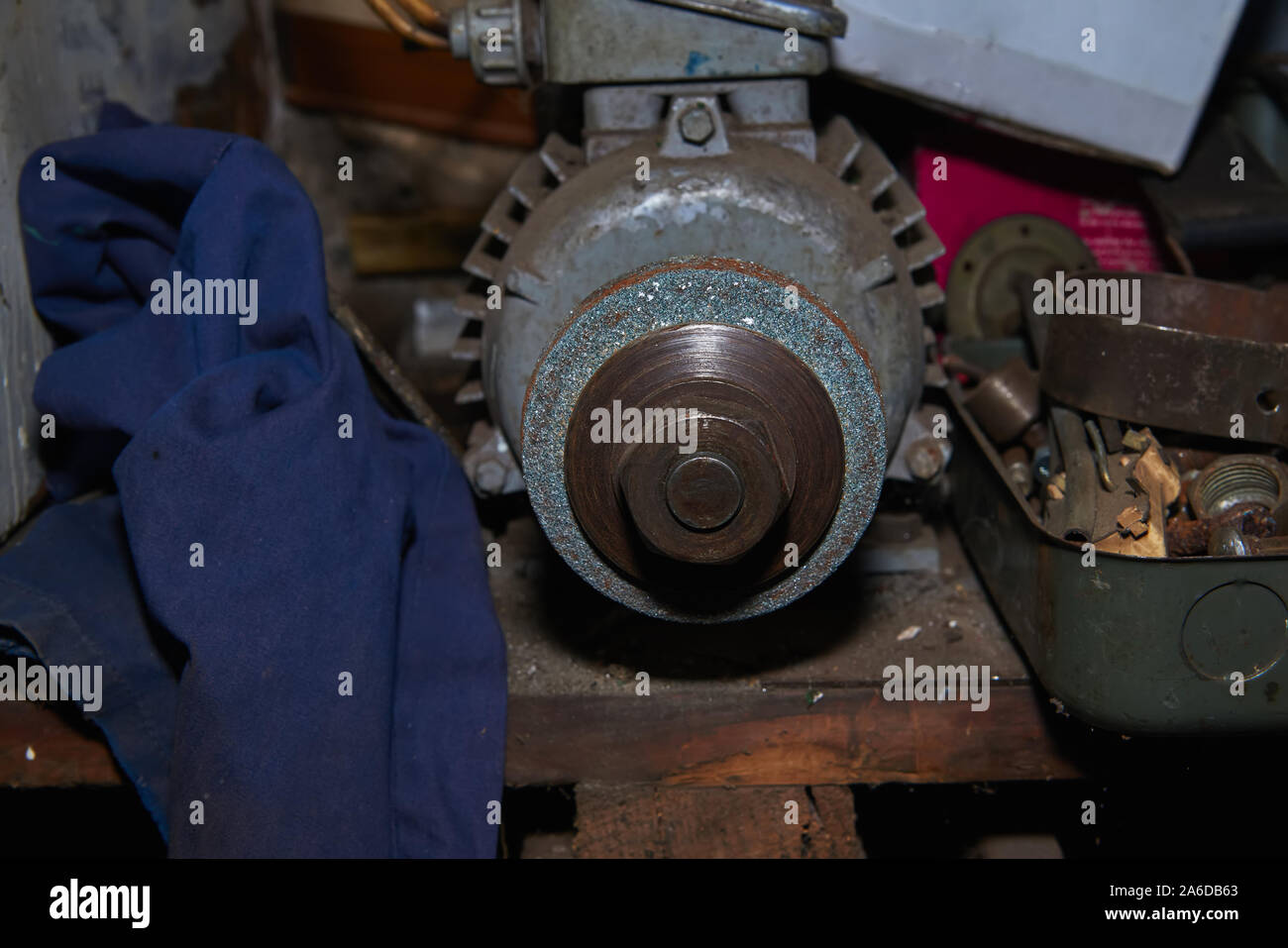 Amazing Bench Grinder Stock Photos Bench Grinder Stock Images Alamy Machost Co Dining Chair Design Ideas Machostcouk