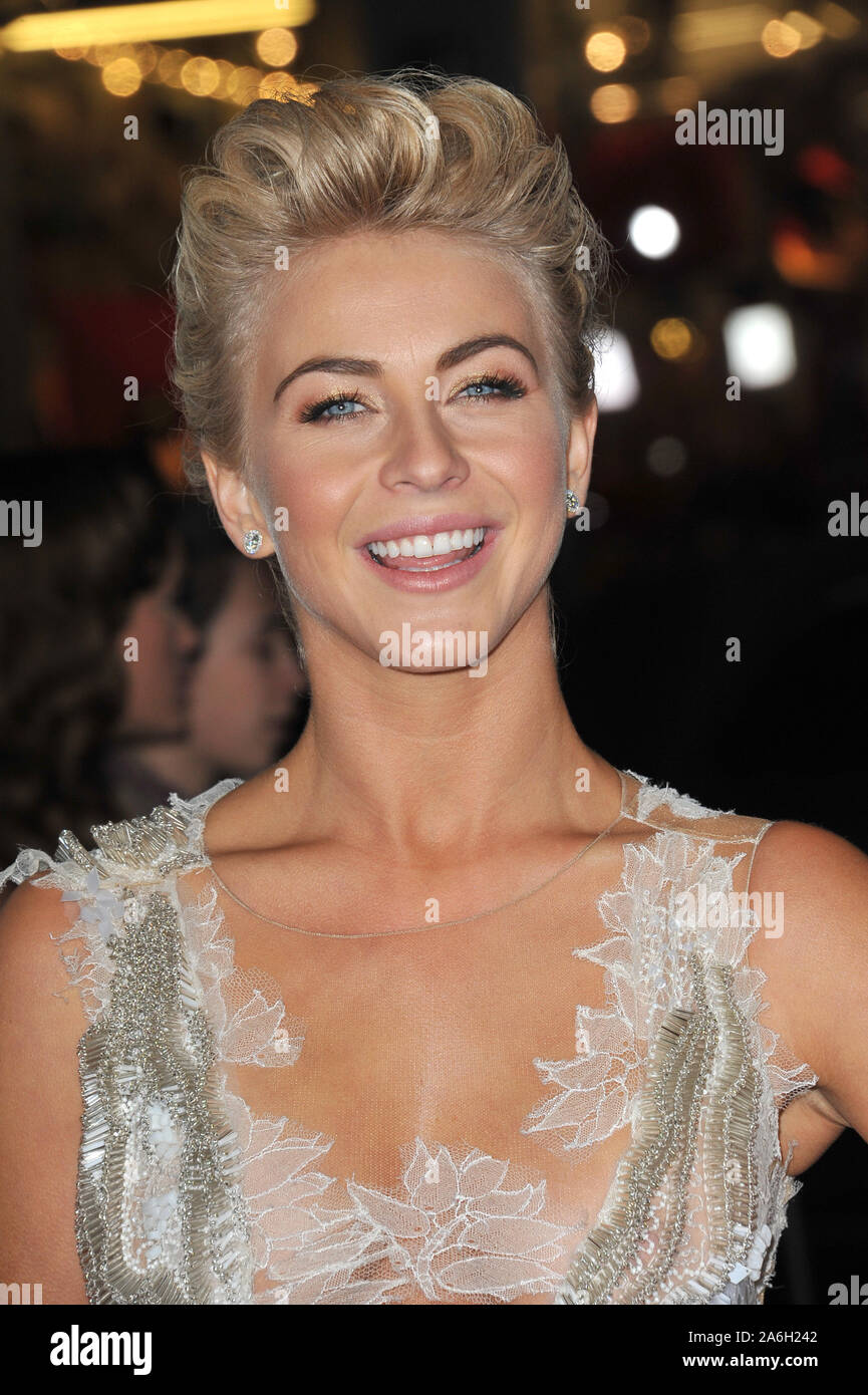 Los Angeles Ca February 05 2013 Julianne Hough At The