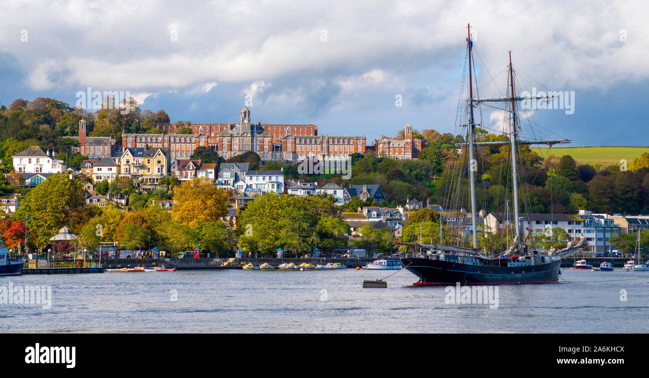 Britannia Royal Naval College overlooking the Dart Estuary and the port of Dartmouth in South Devon. Stock Photo