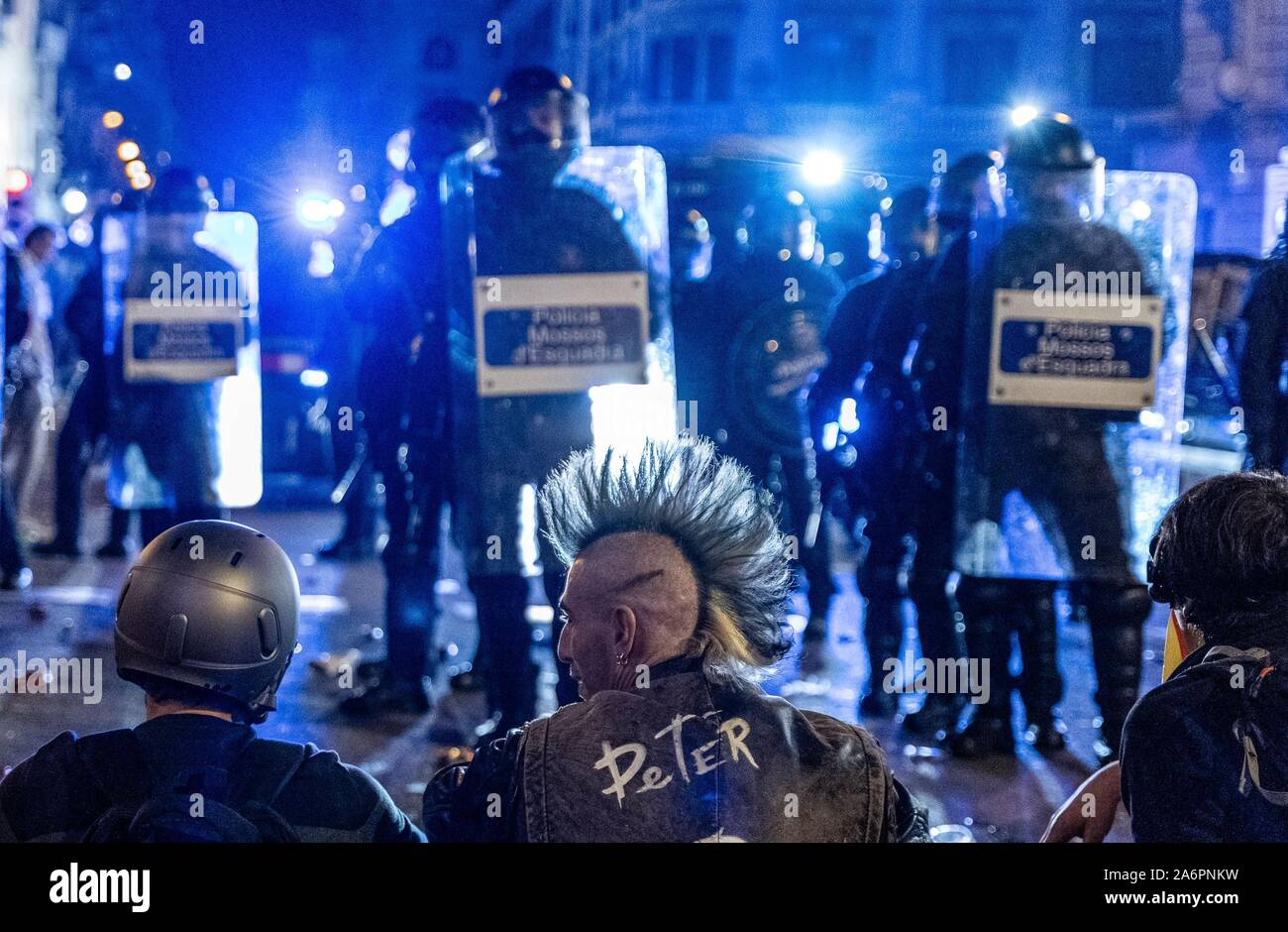 Barcelona, Spain. 26th Oct, 2019. Catalan pro-independence demonstrators rally near the headquarters of the Spanish National Police force in Barcelona, Spain, on Oct. 26, 2019. Credit: Joan Gosa/Xinhua/Alamy Live News Stock Photo