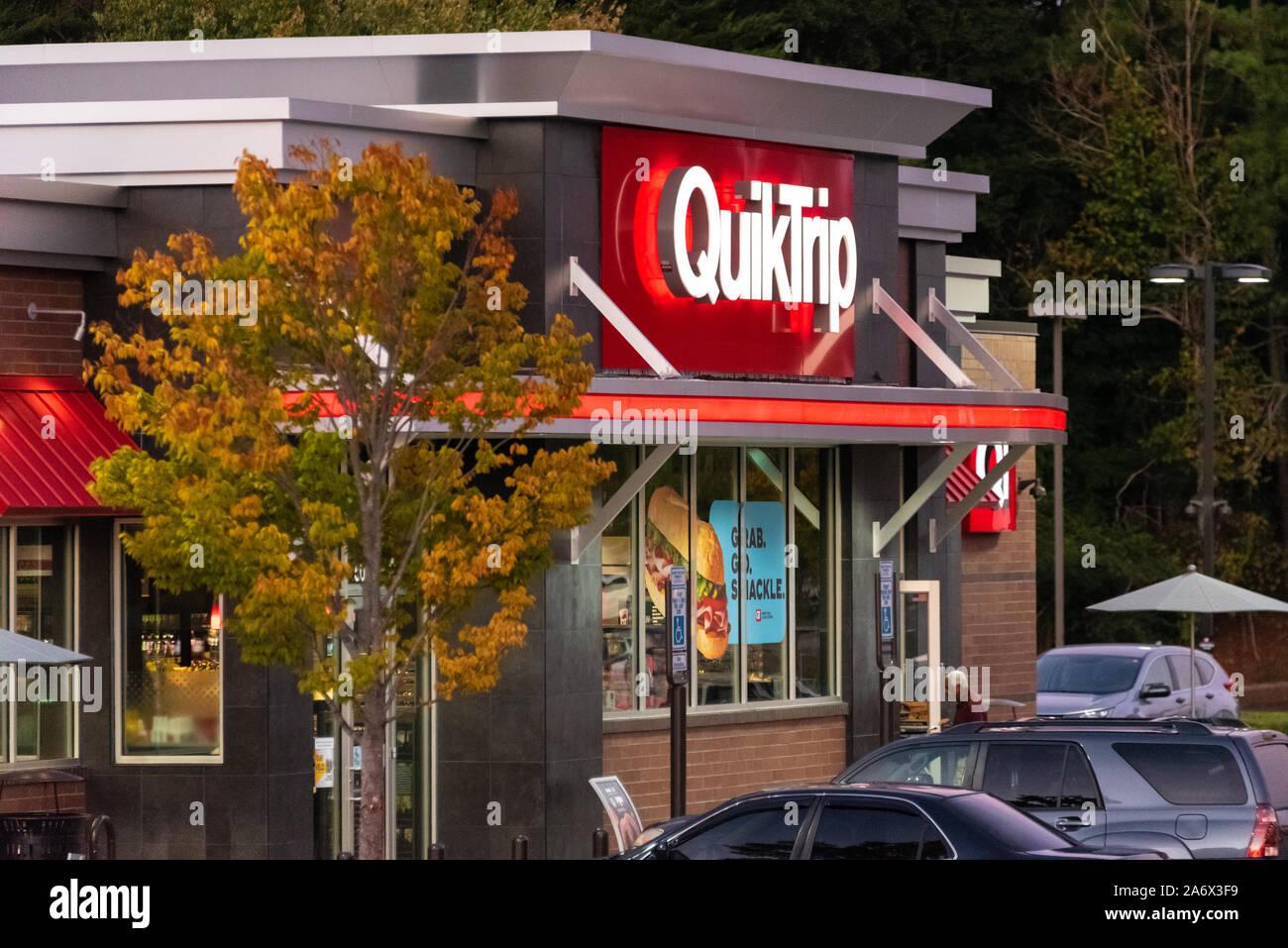QuikTrip convenience store and fuel center in Stone Mountain, Georgia. (USA) Stock Photo