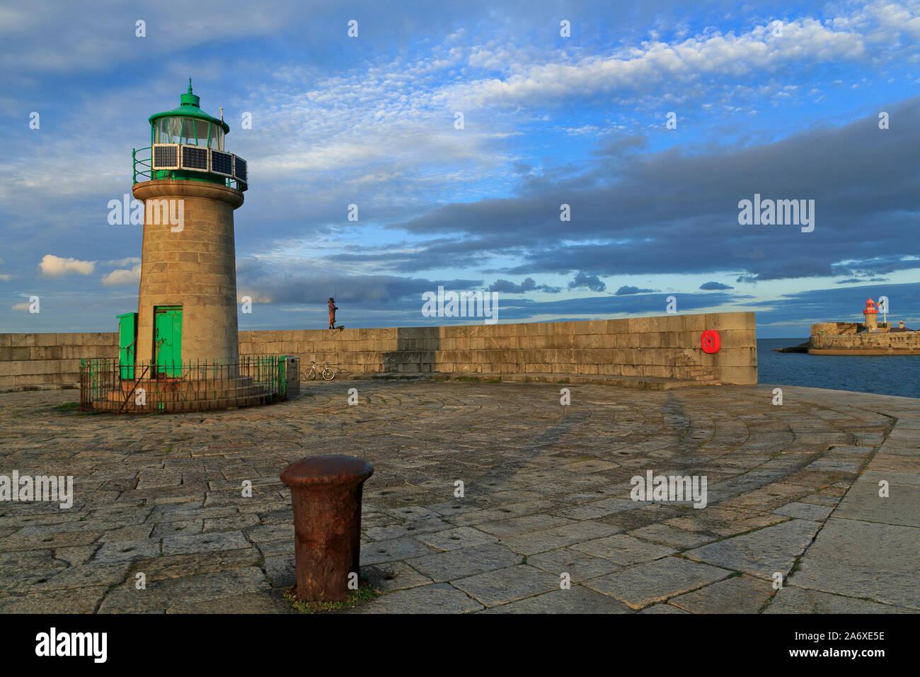 File:West Pier - Dun Laoghaire Harbour (Ireland