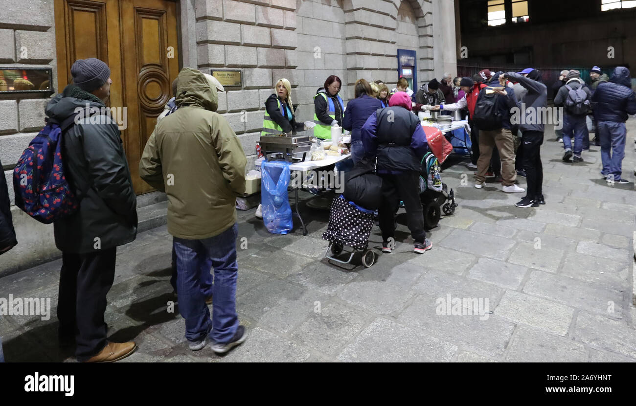 Page 2 Soup Kitchen Homeless High Resolution Stock Photography And Images Alamy