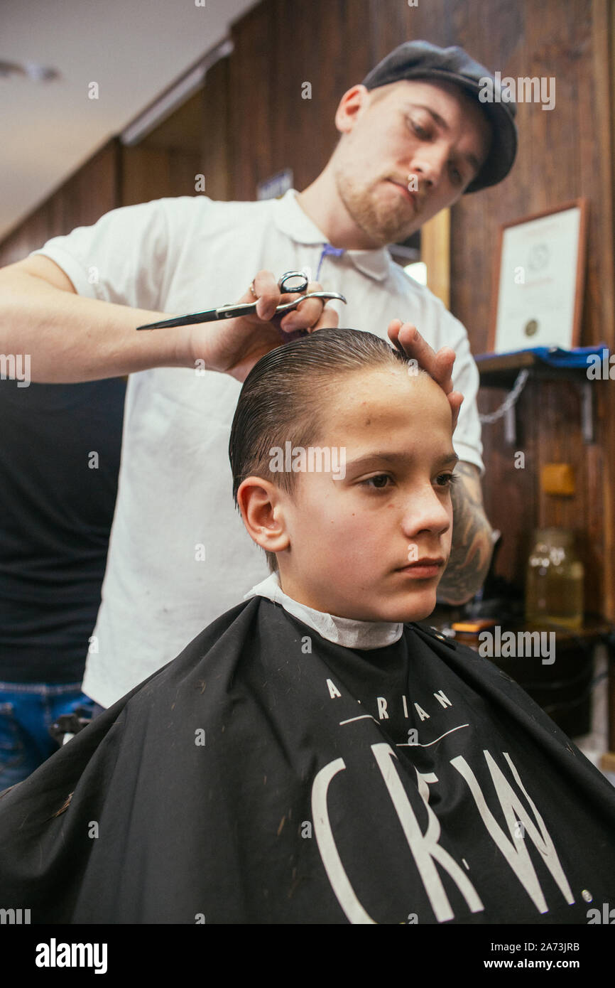 Barber Shop Haircuts Pictures 70