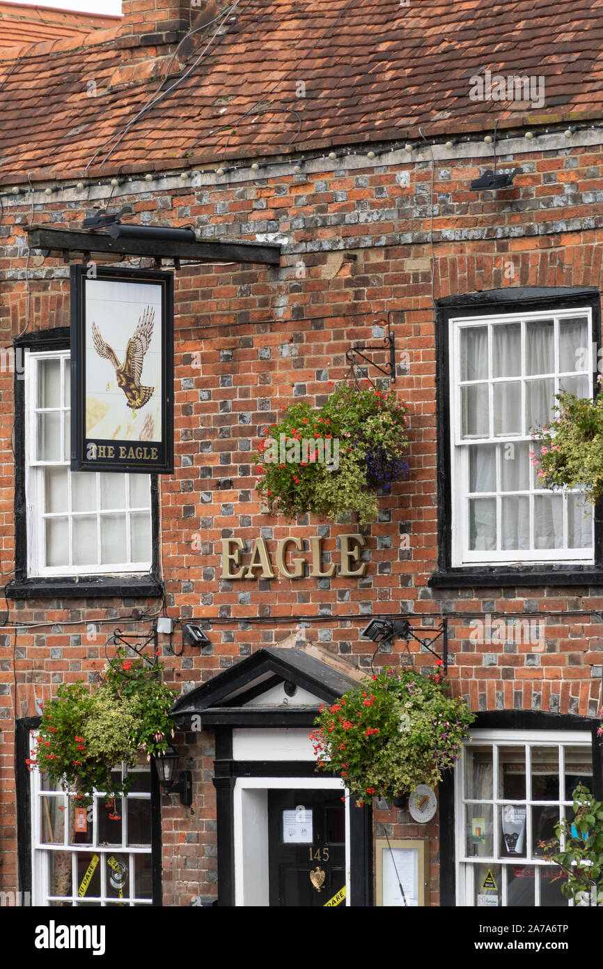 The Eagle pub, a traditional public house and listed building on Amersham Old Town high street, Buckinghamshire, UK Stock Photo