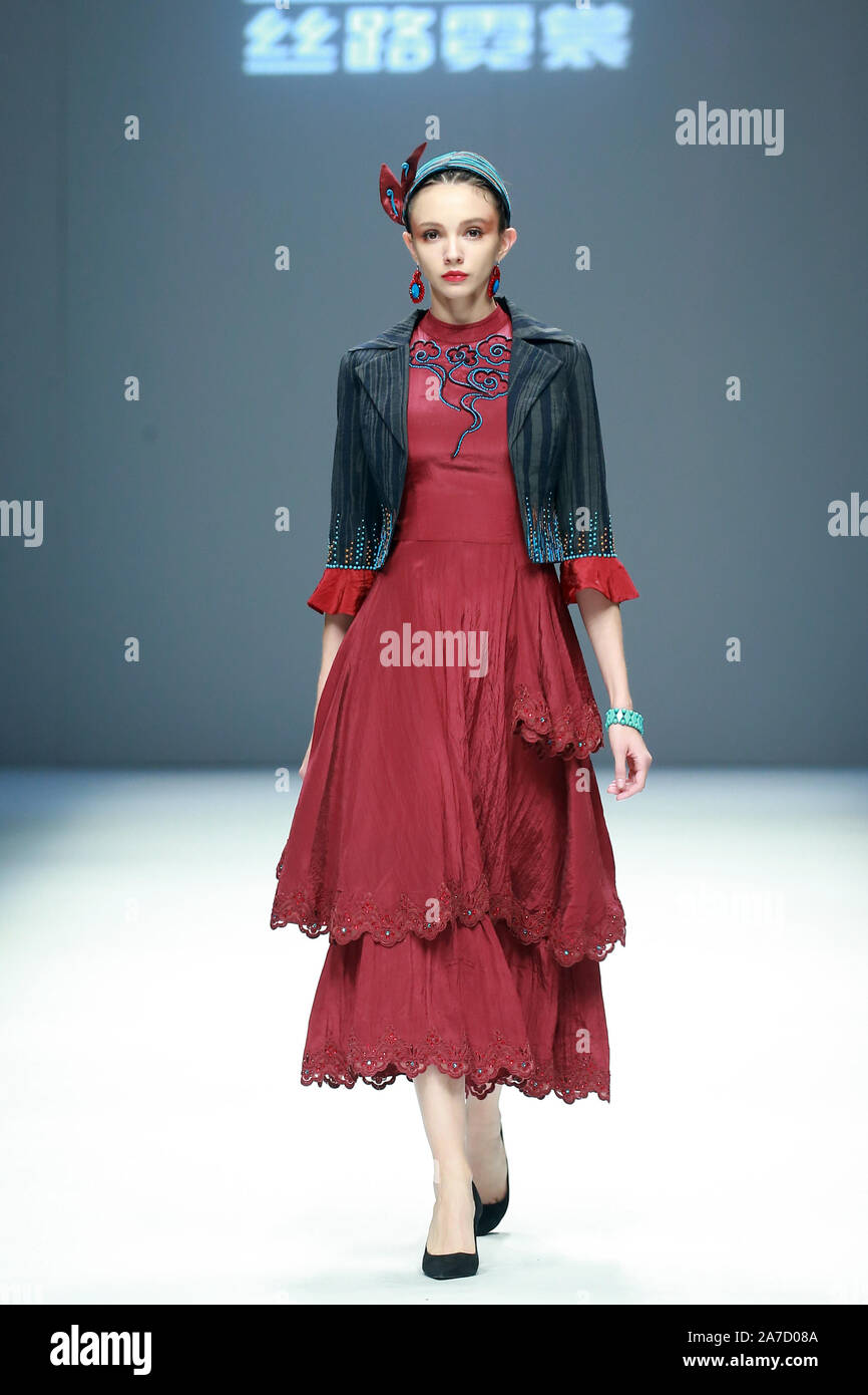 November 1, 2019, Beijing, Beijing, China: Beijing,CHINA-China Fashion International  Week Spring/Summer 2020 ,Edles goes out of Tianshan. (Credit Image: © SIPA Asia via ZUMA Wire) Stock Photo