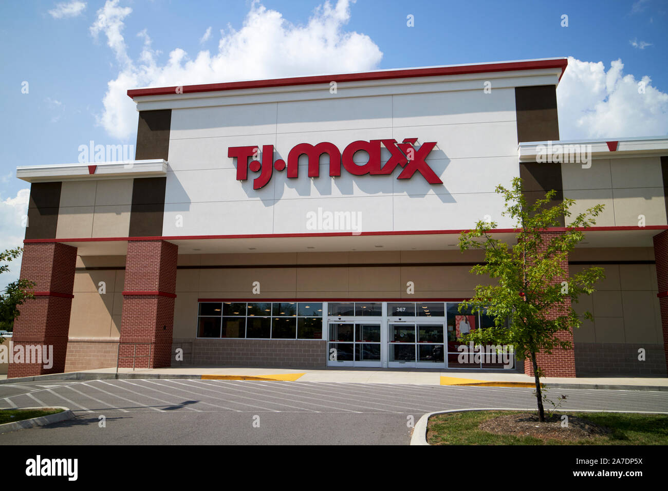 Tj Maxx High Resolution Stock Photography And Images Alamy