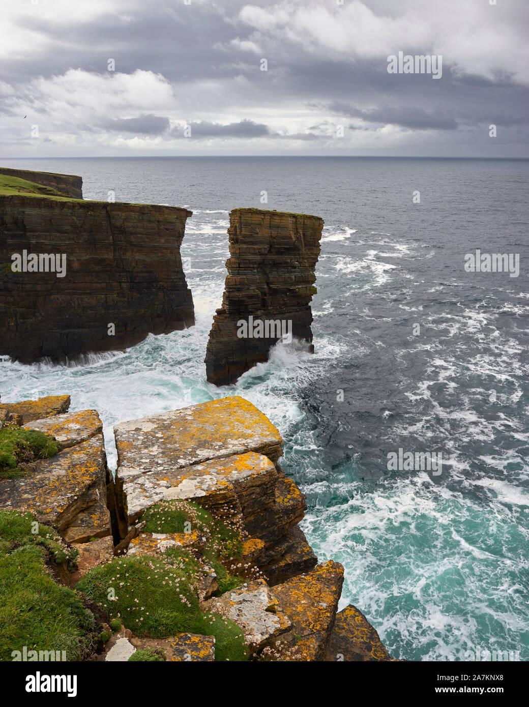 North Gaulton sea stack, Yesnaby, Mainland, Orkney, Scotland Stock Photo
