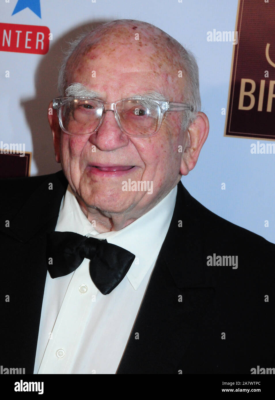 Ed Asner High Resolution Stock Photography And Images Alamy